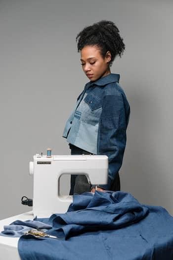 Choosing the Best Sewing Machine In Canada