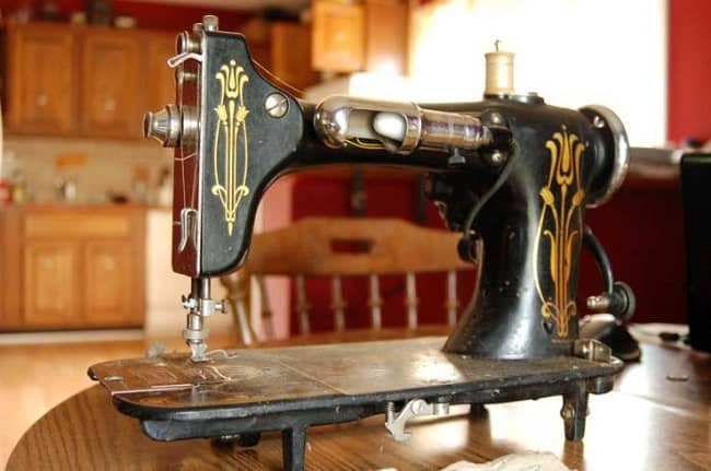 How to Thread a Domestic Rotary Sewing Machine